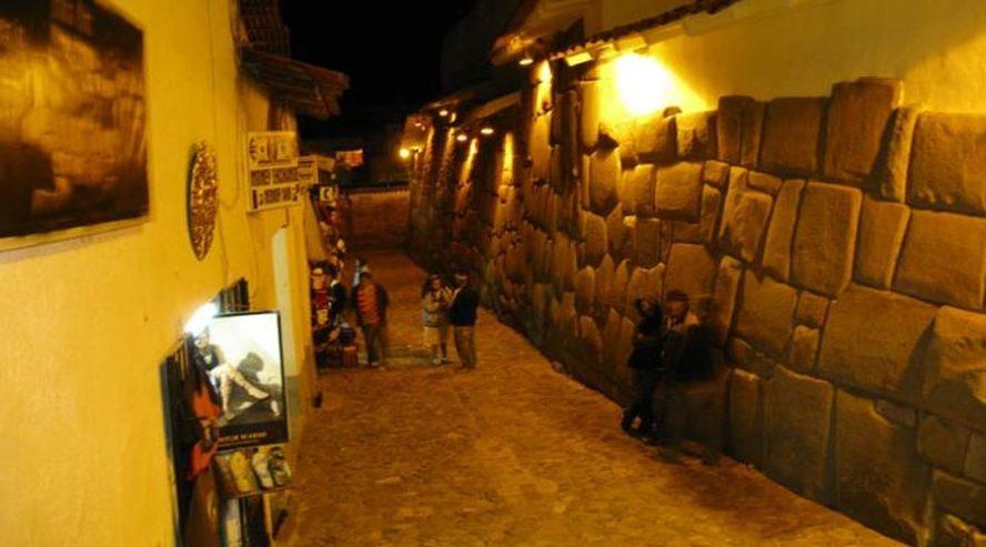 Tour nocturno en Cusco